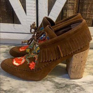 Tory burch heeled bottie huntington size 9 beaded